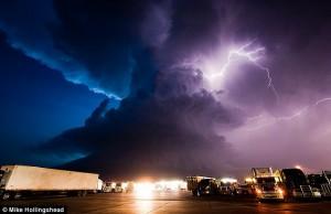 storm_giga